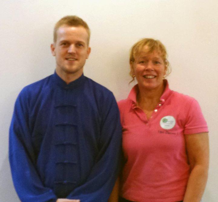 promotie foto taichi met Tineke Berends voor de nieuwe groepslessen Energy zon- & fitness studio Haren