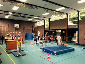 Vanaf 8 april tot aan de zomervakantie is er elke vrijdag in de gymzaal de Groenenberg een sportinstuif voor kinderen uit groep 6 tm 8 van de Quintusschool. Op basis van een 10 strippenkaart kun je deelnemen. Als je een keer niet kan kost het dus ook niets.